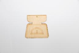 ξύλινη ζυγαριά για στολισμούς